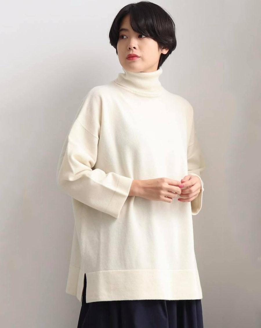 Yuni áo len cổ lọ